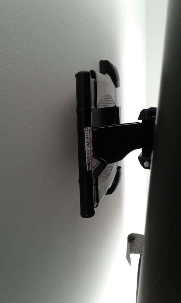 Base de pared con brazo retractil para tv