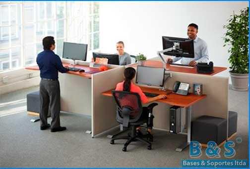 Soporte ajustable al escritorio para monitor computador for Altura de un escritorio