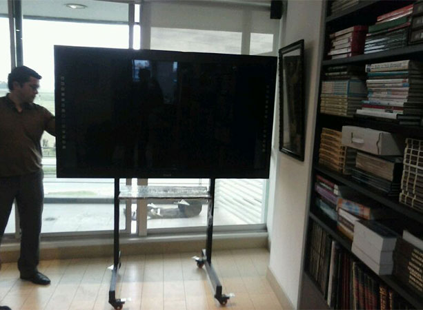Soporte de piso movil industrial para tv bases y - Soportes tv pared ...